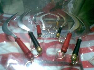 Souvenir Madura - GAntungan Kunci Clurit Madura